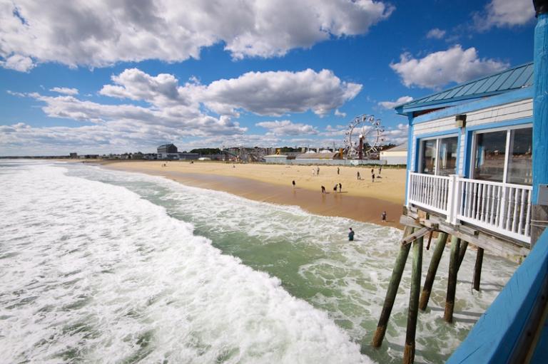 oob old orchard beach maine coast surf waves blue green water atlantic pier boardwalk tourist