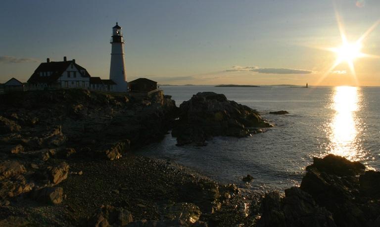 portland head light lighthouse coast maine ocean sunrise photography photo light