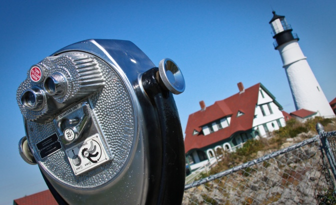 tourist tour lighthouse maine coast portland head light viewfinder photography