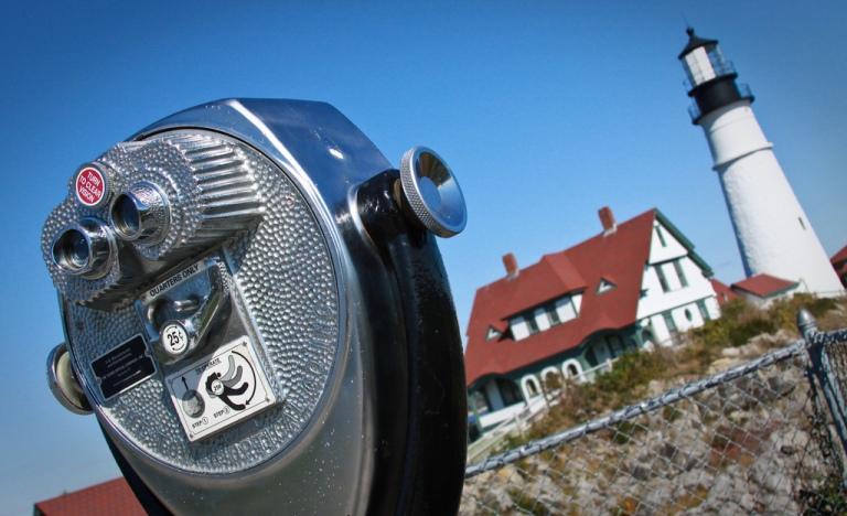 tourist tour lighthouse maine coast portland head light viewfinder photography