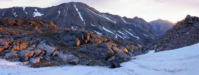 Sunrise West Fork Valley beartooth mountains montana absaroka snow peak hike