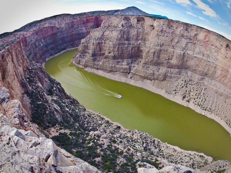 big horn canyon national recreation area desert lake dam gorge boat water ski