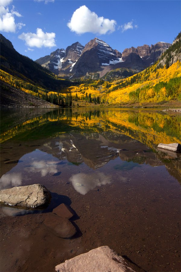 maroon bells aspen colorado autumn color fall foliage yellow gold photo of the week